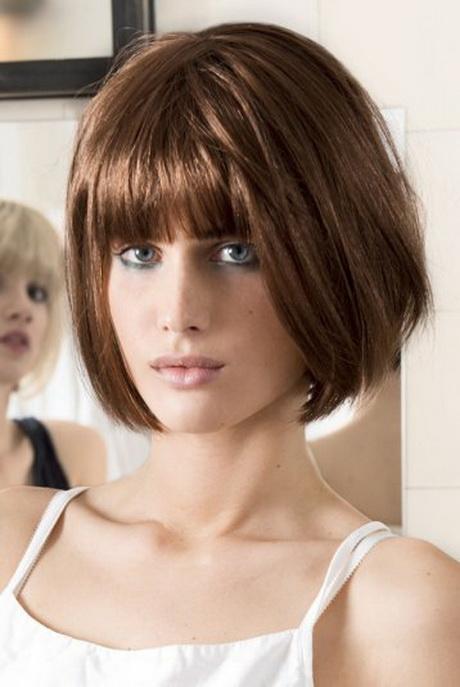 Cheveux court avec frange
