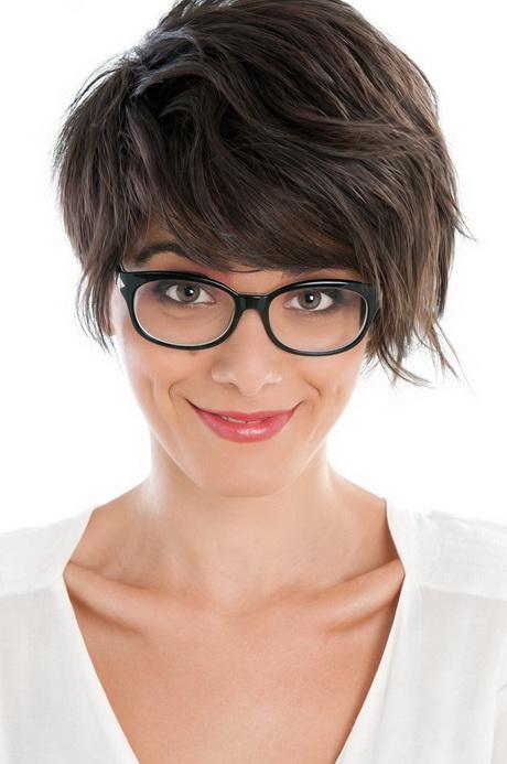cheveux courts lunettes ForCoupe Cheveux Court Femme Avec Lunette