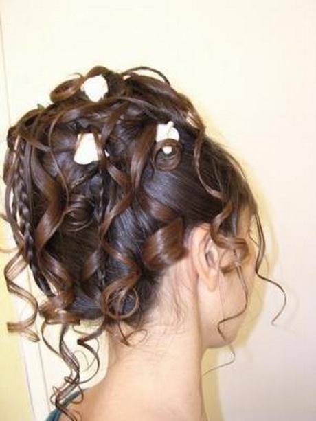 Chignon pour mariage cheveux mi long Coiffure mariage cheveux longs idees