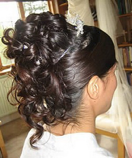 Chignons mariage cheveux longs