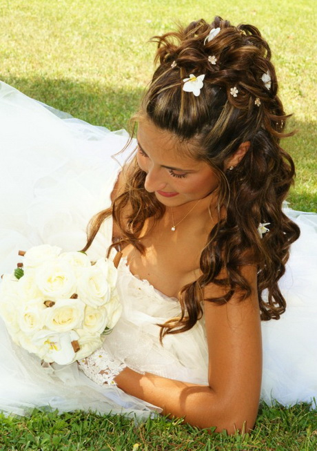 Coiffure boucles mariage - Modele coiffure mariage ...