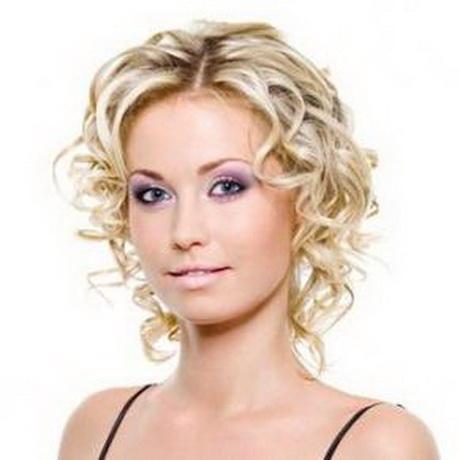 coiffure cheveux courts fris s. Black Bedroom Furniture Sets. Home Design Ideas