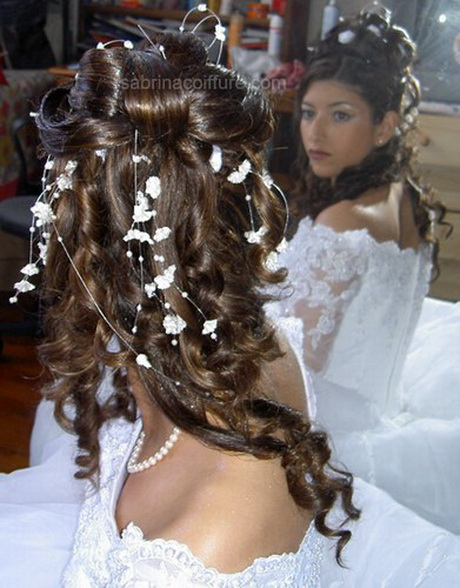 coiffure de mariage cheveux longs. Black Bedroom Furniture Sets. Home Design Ideas