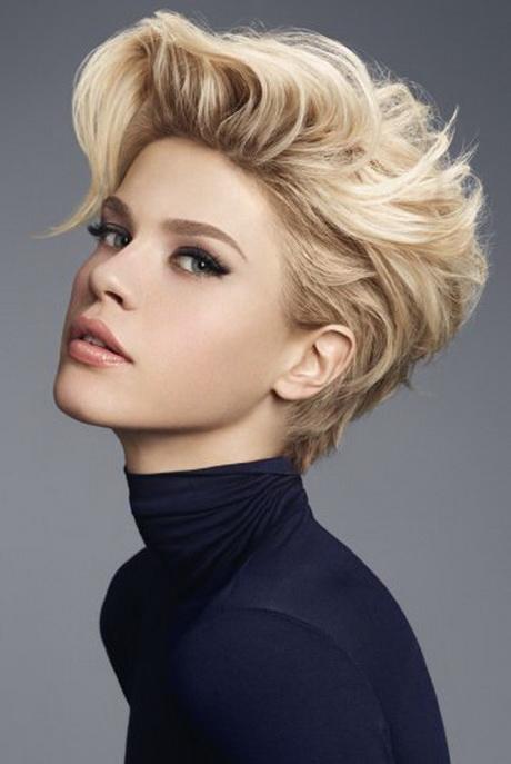 Coiffure destructuree cheveux courts - Coupe courte effilee destructuree ...