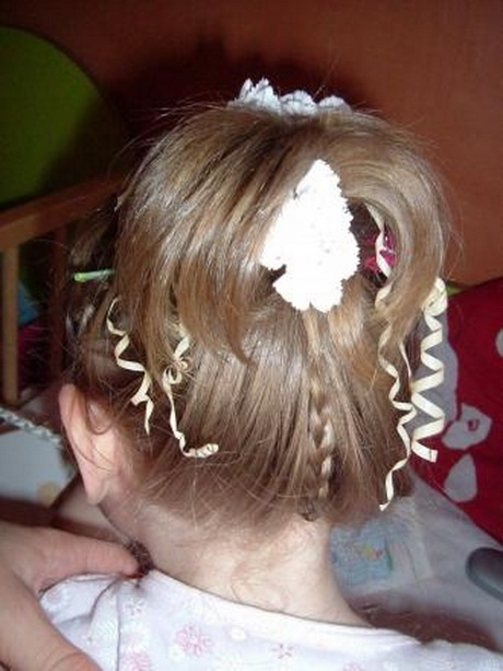 Coiffure fille pour mariage - Coiffure mariage petite fille ...