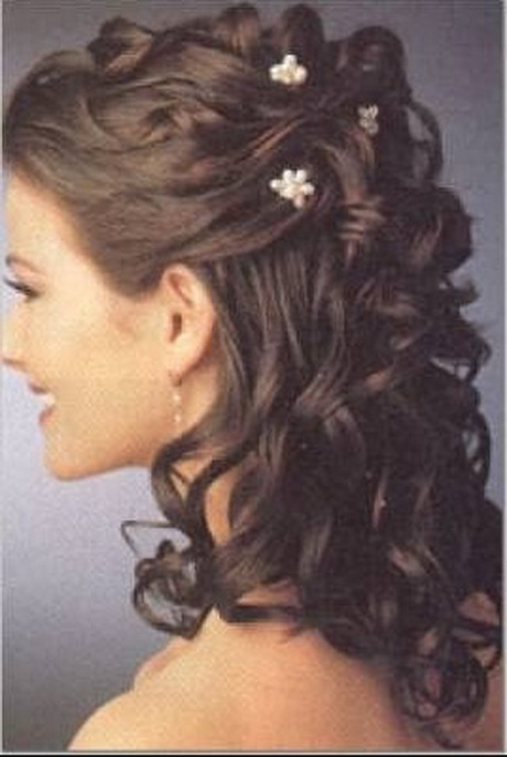 Tendance actuelle : coiffure mariage facile cheveux bouclés