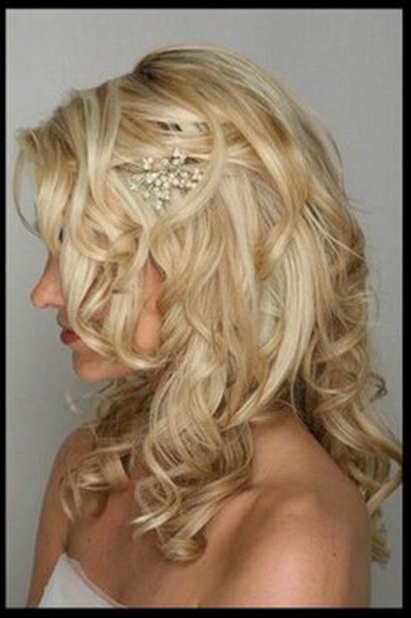 coiffure mariage cheveux longs d tach s. Black Bedroom Furniture Sets. Home Design Ideas