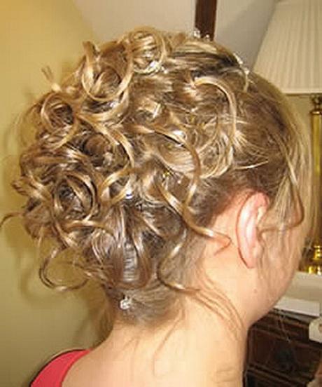 Coiffure mariage cheveux mi long bouclés