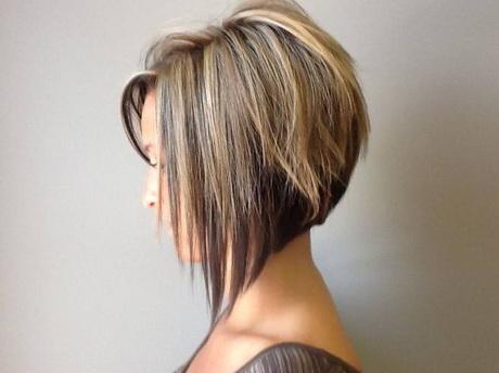 Coupe cheveux carré plongeant