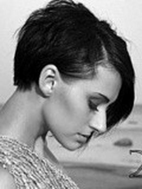 coupe cheveux court brune