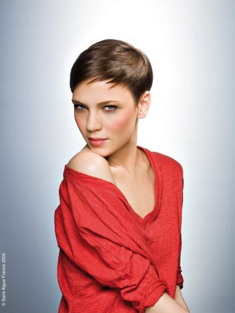 coupe cheveux court brune