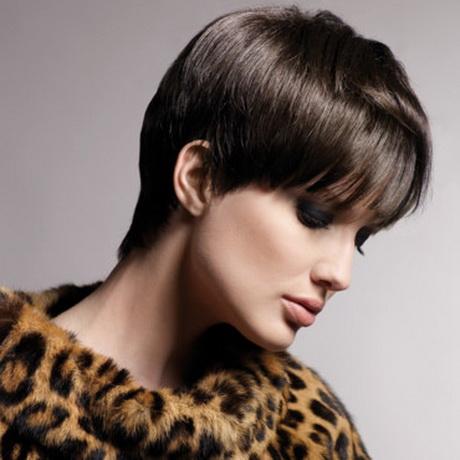 Coupe cheveux courts boule femme