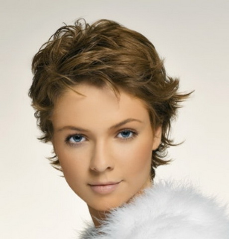 Coupe cheveux courts femmes 2014 for Coupe cheveux 2014