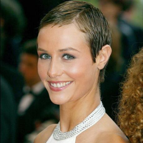 Coupe cheveux tres courts femme