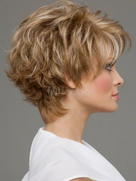 Coupe courte frisee for Coupe de cheveux sharon stone 2012