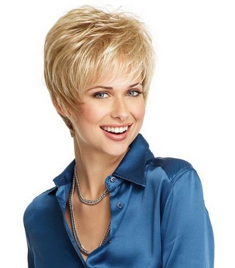 de cheveux tendance courte blonde coupe tendance courte coupe de long hairstyles. Black Bedroom Furniture Sets. Home Design Ideas