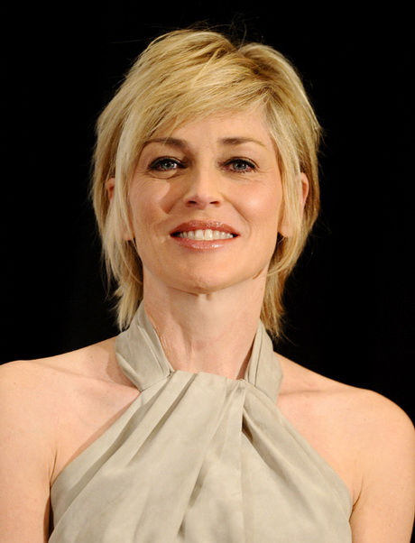 Coupe courte sharon stone for Coupe de cheveux sharone stone