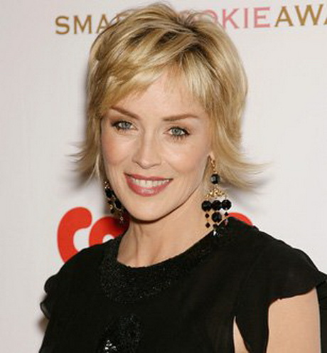 Coupe courte sharon stone for Coupe de cheveux sharon stone 2012