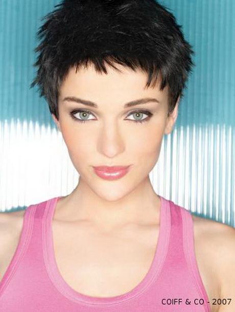 Infos sur la photo mode coiffure femme très court