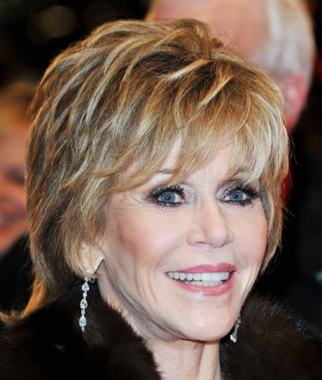 La belle Jane Fonda porte ici une coiffure qui met sa féminité en ...