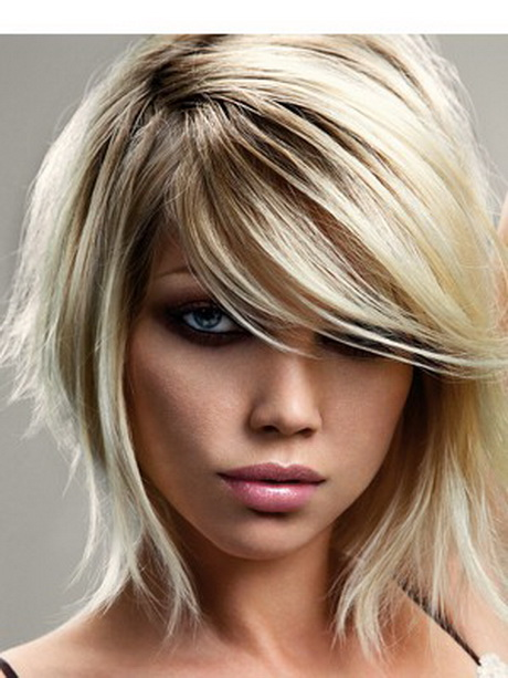 Coupe de cheveux femme mi long visage ovale
