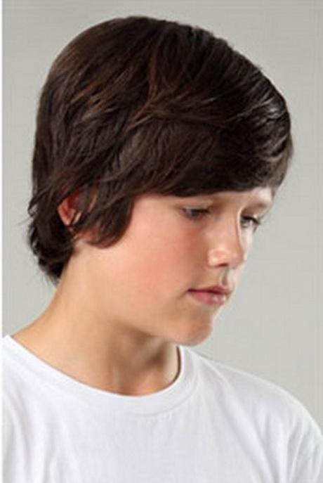 Coupe de cheveux garcon mi long