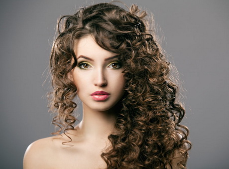 Coupe de cheveux long boucl femme - Cheveux mi long boucle femme ...