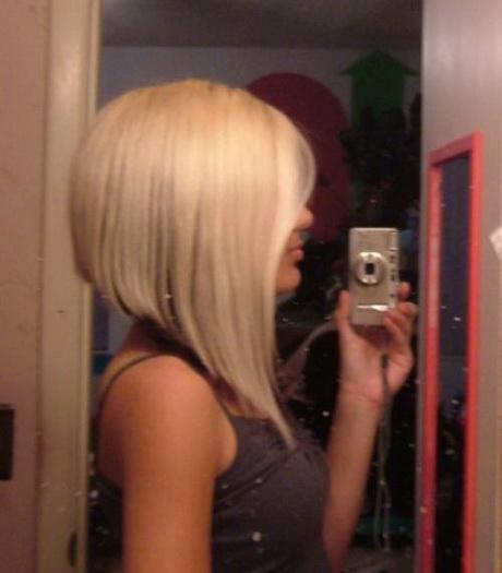 Coupe de cheveux mi long carr plongeant for Ff14 coupe de cheveux miqote