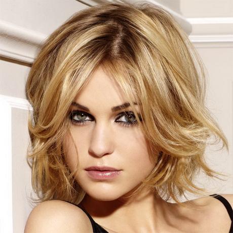 Coupe de cheveux mi long femme visage ovale - Coupe avec frange visage ovale ...