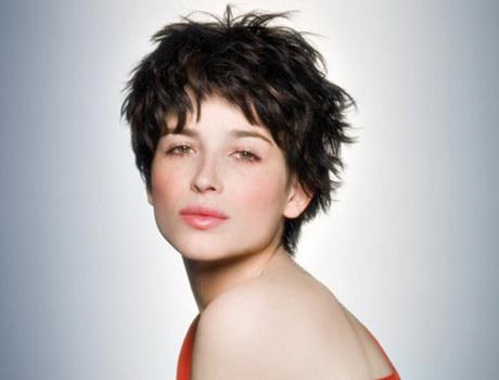 Les plus belles coupes de cheveux courts femme - Coupes courtes degradees femmes ...