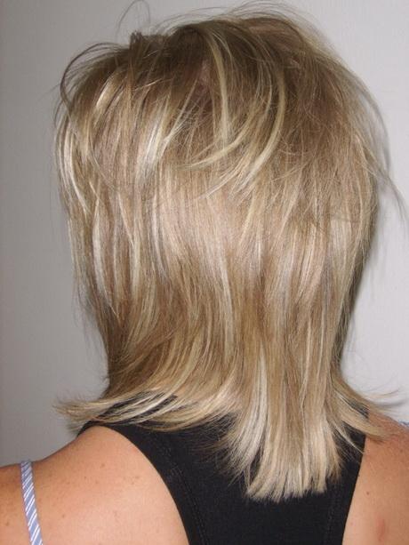 Modèle coiffure dégradé mi long