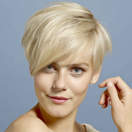 Tendance coupe cheveux courts 2014 for Coupe cheveux evelyne dheliat 2014
