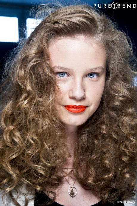Cheveux mi long fris - Cheveux frises mi long ...