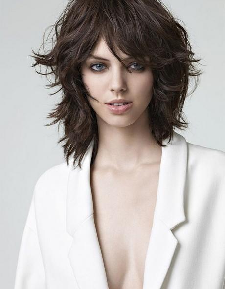 Modele coiffure femme carre degrade - Coupe au carre degrade avec frange ...