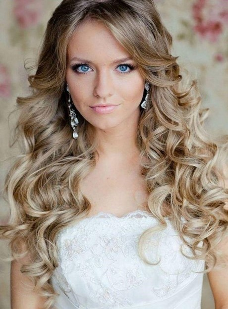 coiffure mariage 2017 cheveux longs. Black Bedroom Furniture Sets. Home Design Ideas