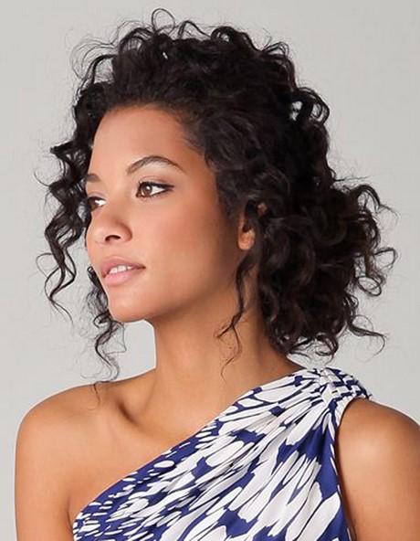 jolie coiffure pour cheveux boucl s. Black Bedroom Furniture Sets. Home Design Ideas