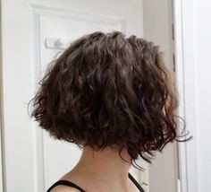 Se couper les cheveux carré plongeant