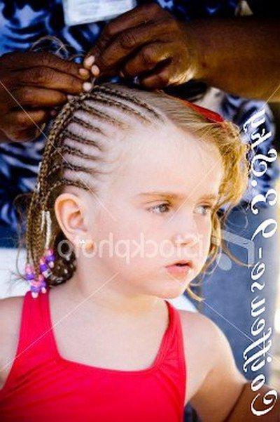 Tresse africaine petite fille - Image de tresse ...