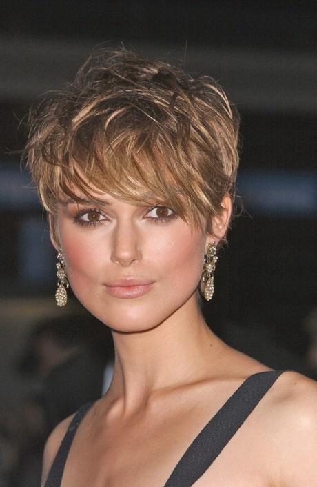 coupe courte visage rond cheveux fins