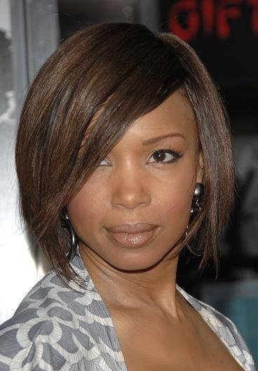 Modele de coiffure femme pour visage rond for Coupe de cheveux femme avec double menton