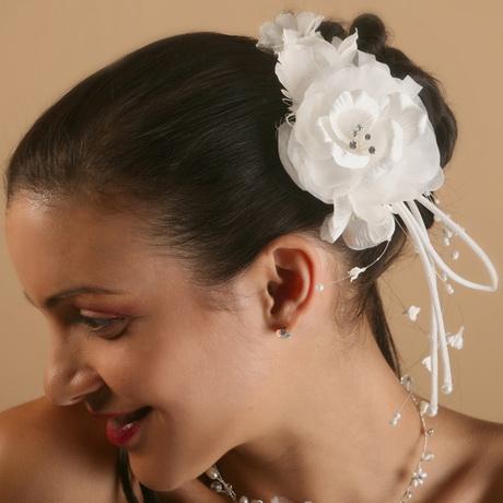 fleur pour coiffure mariage. Black Bedroom Furniture Sets. Home Design Ideas