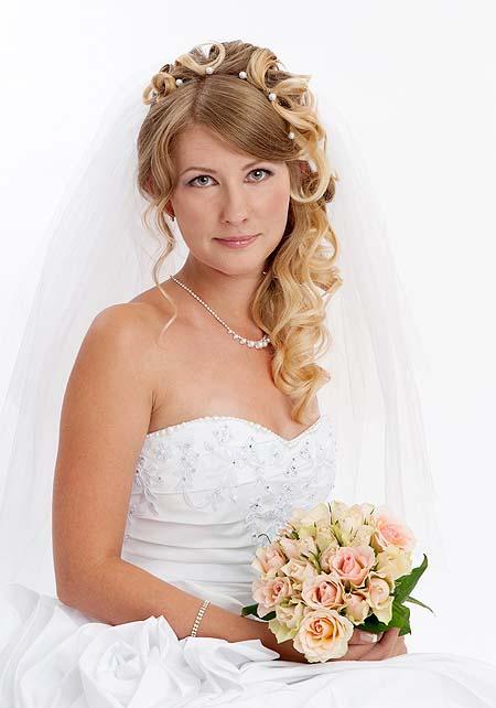 Modele de coiffure cheveux long pour mariage - Modele coiffure mariage ...