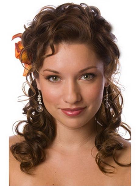Coiffure mariage cheveux boucles