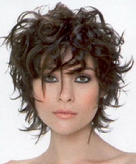 Coupe cheveux boucles femme