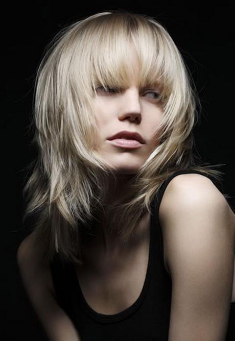 Coupe de cheveux femme mi long dégradé