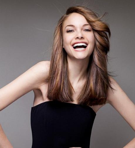 Coupe de cheveux fins mi long