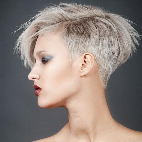 Coupe de cheveux tres courte