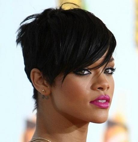 Rihanna cheveux courts