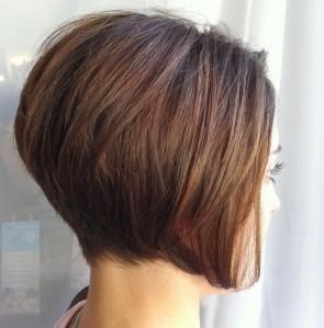 Modele coiffure carre court plongeant
